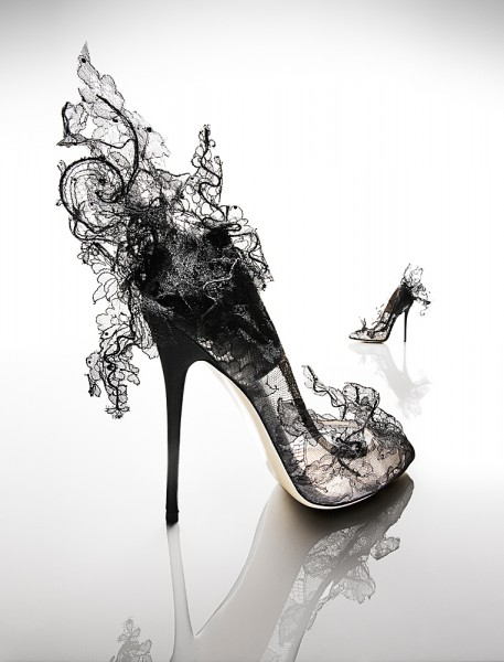 23_vogue_heels_book